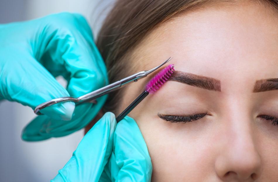 Read more about the article 4 motivos para ser uma designer de sobrancelhas