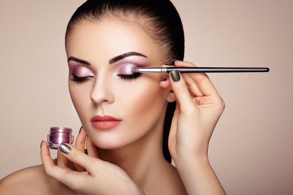 Read more about the article 4 cursos na área da beleza para quem pensa em empreender